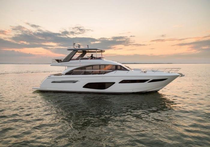Princess Yachts F70
