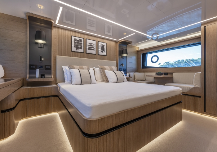 Pearl 62 Interior